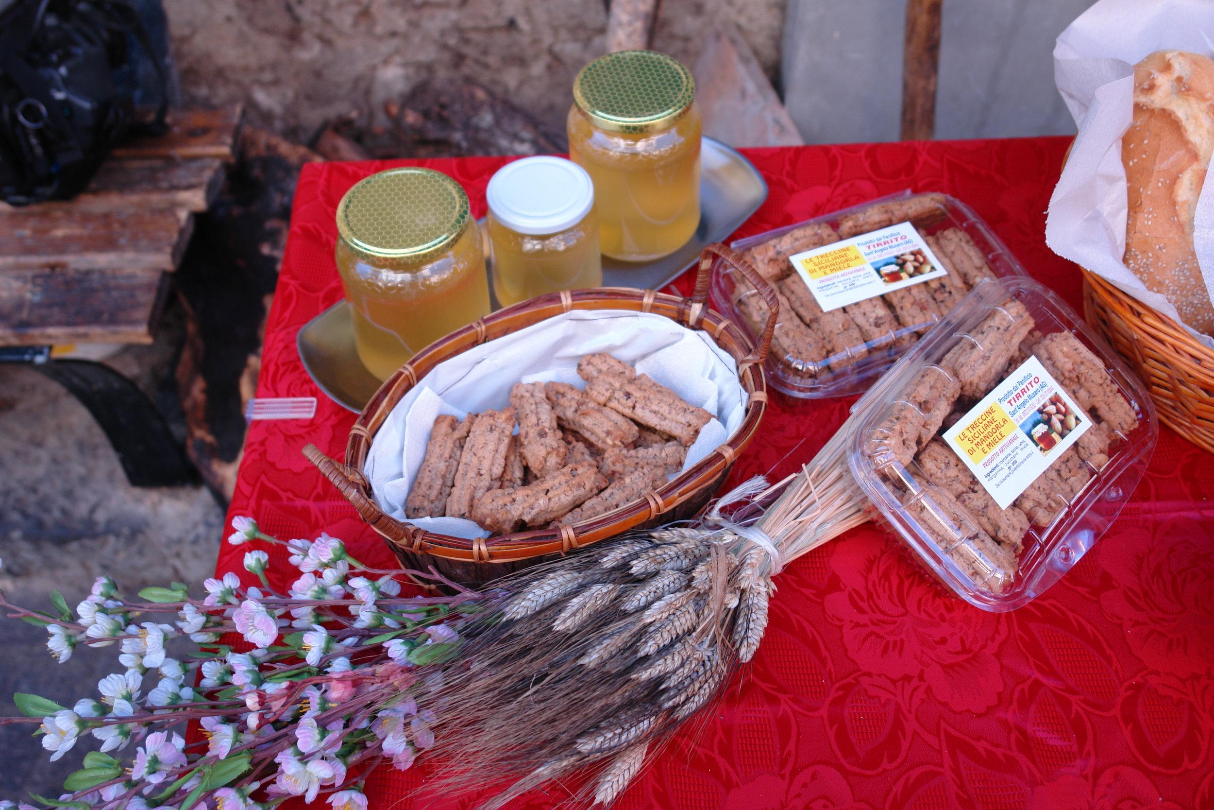 Sicilian almond cookies & honey.JPG