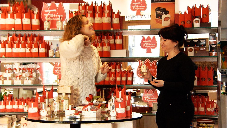 FFOTW_203_sigal and perfume.jpg
