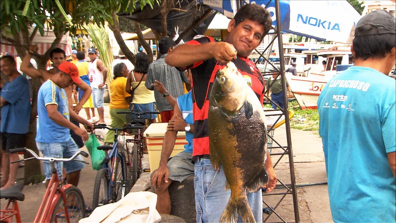 FFOTW_208_guy holding fish.jpg
