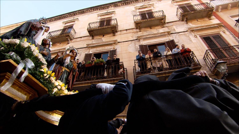 FFOTW_204_people watching sainters.jpg