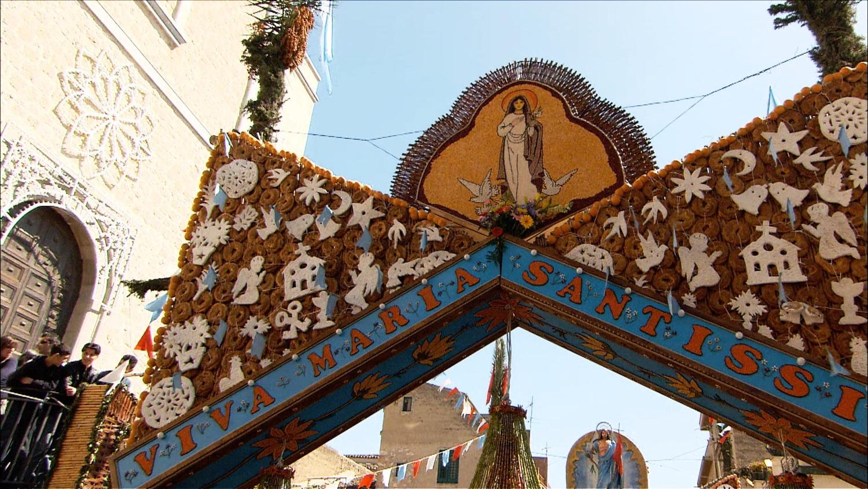FFOTW_204_straw town entrance.jpg