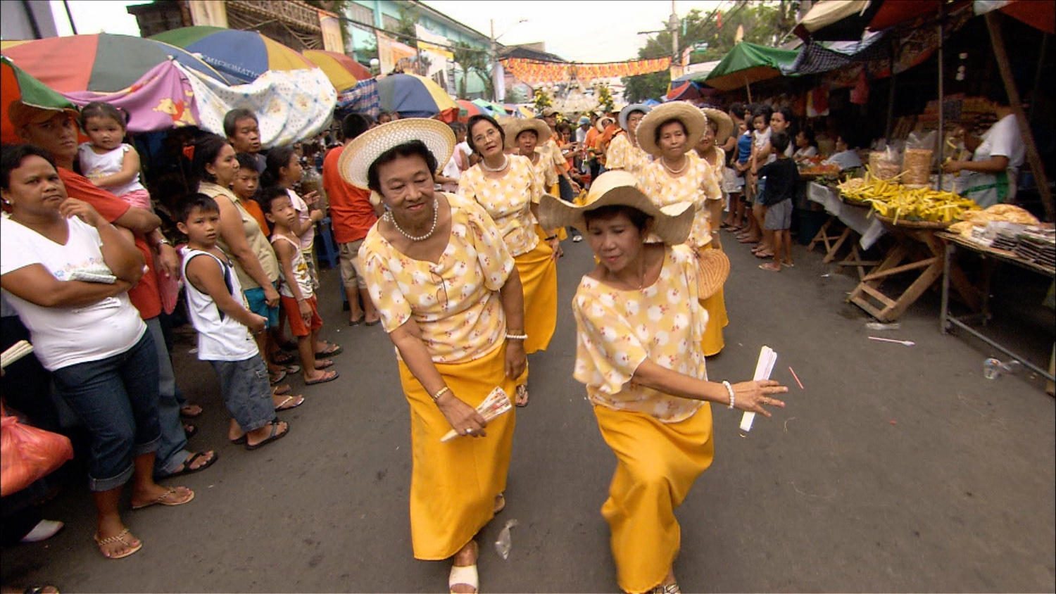 205_Philippines_yellow dancers.jpg