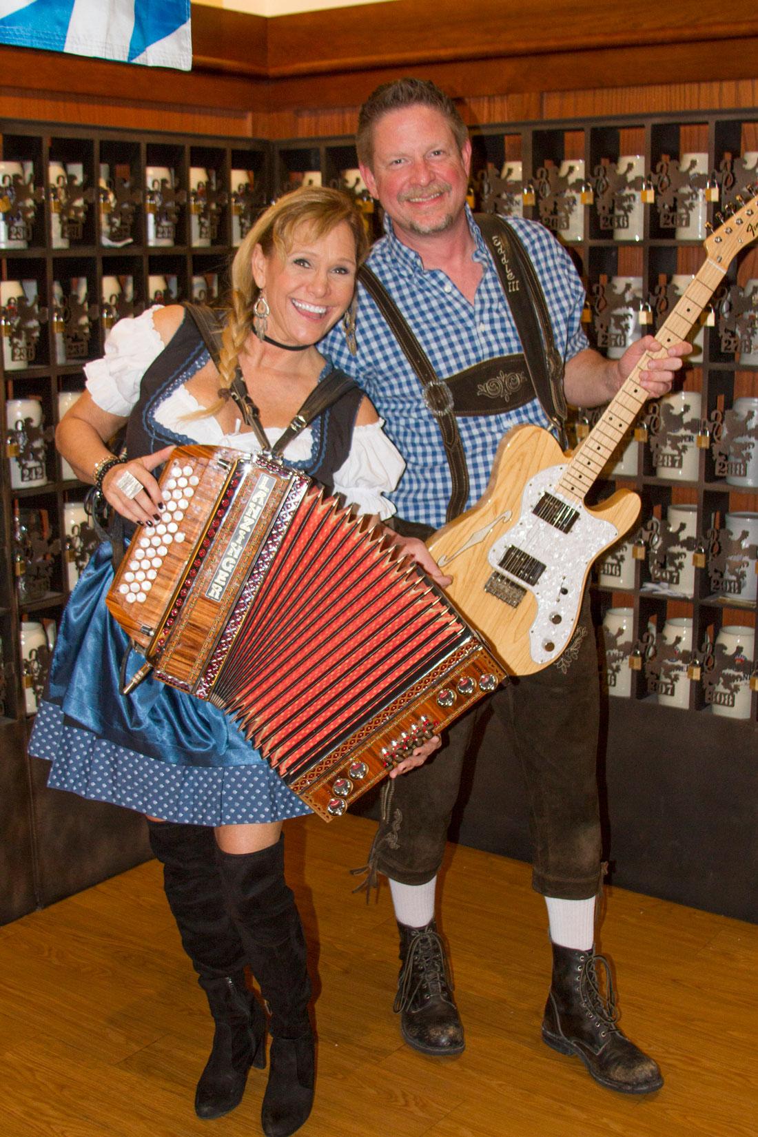 Heidelberg_Helen_German_Restaurant_Oktoberfest_Live_Music_LynnMarie_E3.jpg
