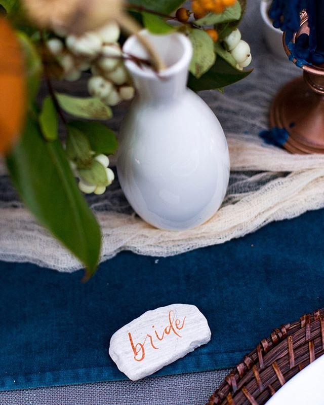 TGIFreakingF 👊🏻🍾 . . . . Photo @emmaleephotography  Design and coordination @theeventists  Rentals @cortpartyrental  Florals @juniperrosestudio  #seattleart #seattlebride #seattleweddingcalligraphy #seattlecalligrapher #weddingcalligraphy #bohoweddingdecor #placecard #uniqueplacecards #namecards #weddingdecor #seattlebrideandgroom #pointedpencalligraphy #drphmartinsink