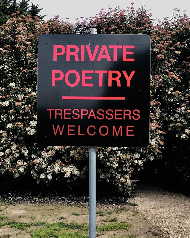 The word sculptor Richard Tipping. Private Poetry 2010 . . #beginnersmind #welcome #poetry #nature #sculpture #ptleosculpturepark
