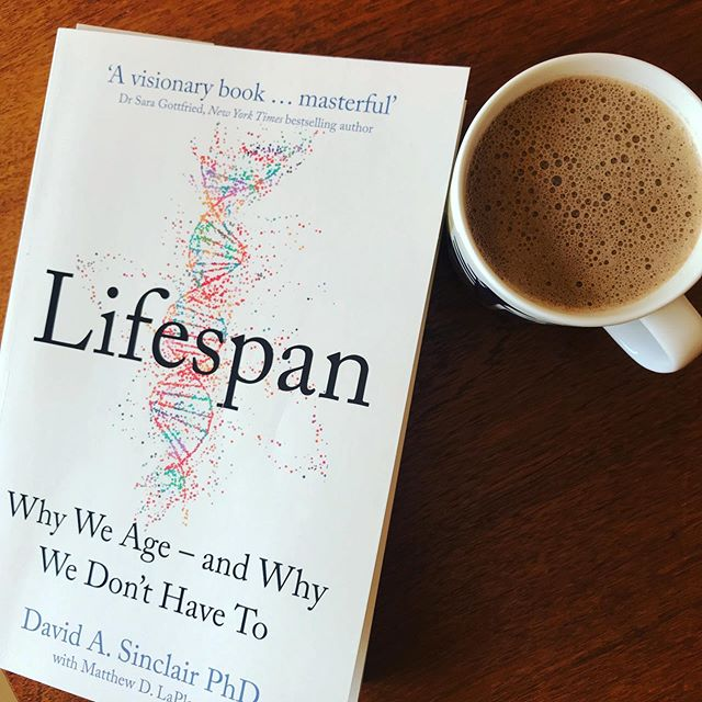 Here's to the shift from Lifespan to Healthspan. @davidsinclairphd tests my attention in biology class, and reveals great scientific discoveries that truly change the way we think about ageing and all with a bit of Aussie humour 👍🏼 Simple lifestyle changes we can all make to increase our Healthspan. . . #healthyaging #brainhealth #longevity #liveyoungerlonger #takecontrolofyourhealth #lifespanwhyweage #greatread #drdavidsinclair