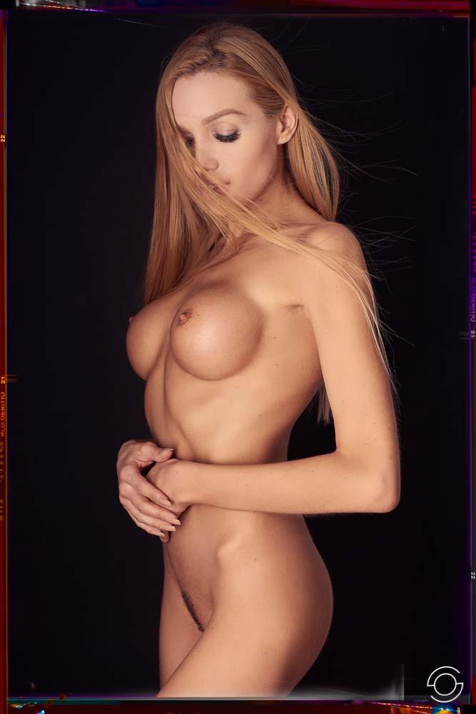 akt-erotik-dessous-17.jpg