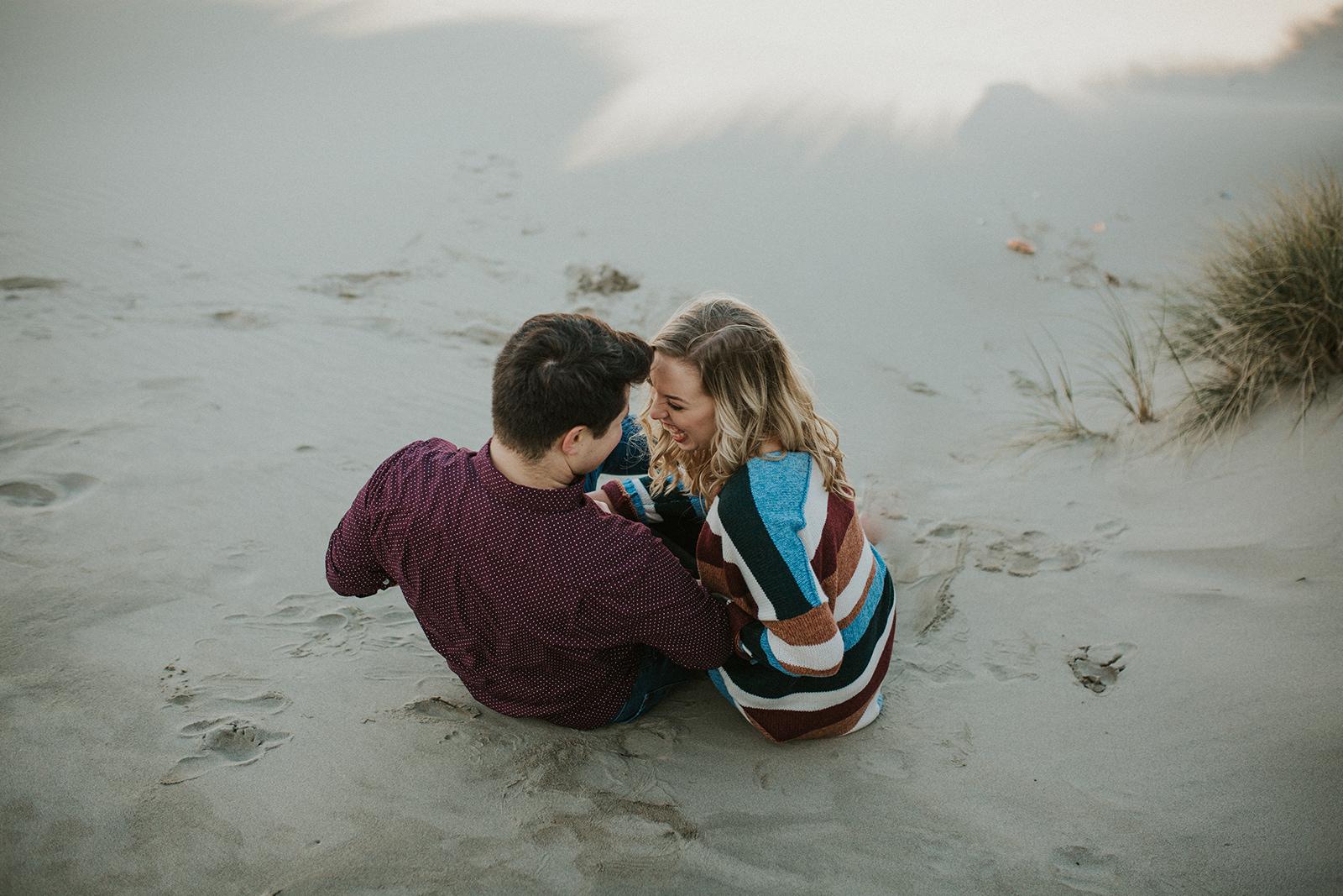Yaquina Bay Sunrise Picnic Engagement Session | Rosemary & Pine Photography