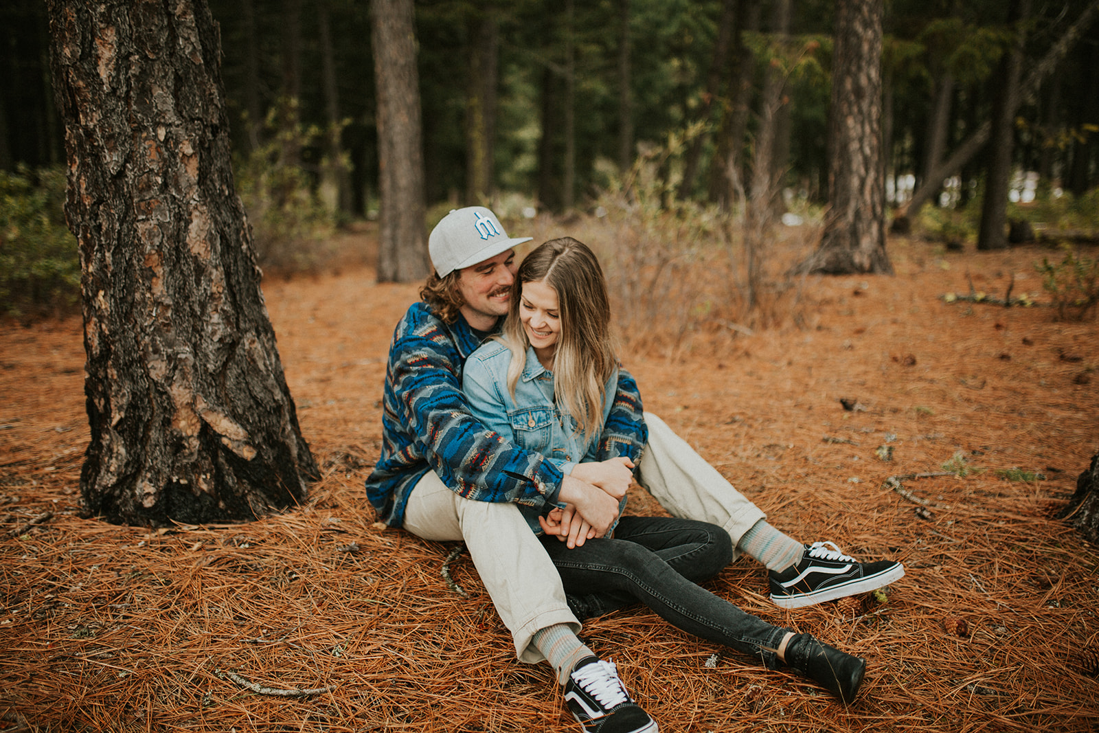 Adventurous Suttle Lake Engagement Session in Sisters Oregon | Rosemary & Pine Photography
