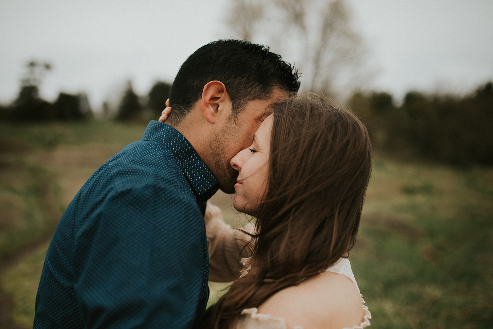 Windy + Romantic Anniversary Session at Discovery Park | Seattle Washington | Rosemary & Pine Photography