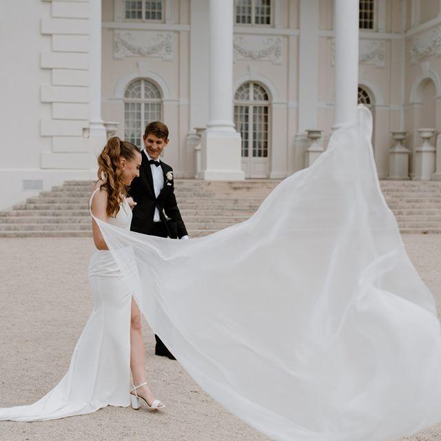 Wind mood  #pic #bridetobe2019 #weddingphotographer #weddinginspo #lovestory #realweddings #wedstory #instawedding #luxurywedding #ieskaufotografo #vestuviufotosesija #vestuvesvilniuje #fotografaslietuvoje #fotografasvilniuje #sandratamos #autumnwedding #modernbride #chicwedd #cinematography #30risingstars #wayupnorth #junebugweddings