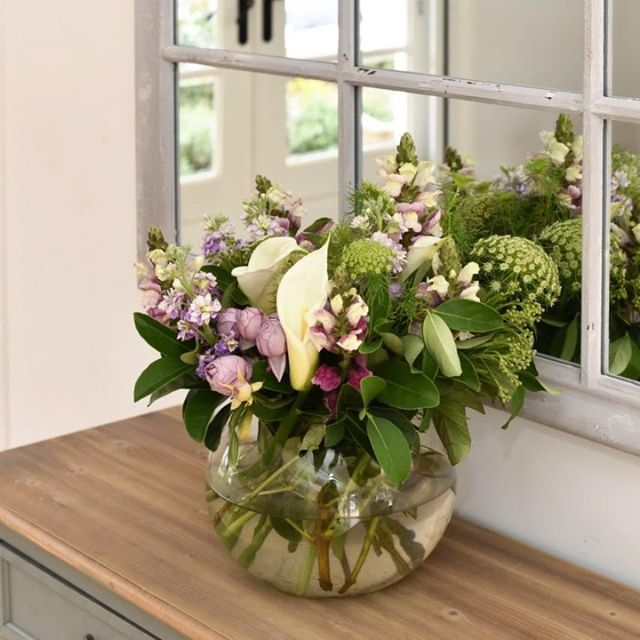 There's nothing quite like some fresh flowers to bring life to your space! #HelloSpring . . . . . . . . . . . .   #homestaging #decoratingideas #interiorforyou #interiordesign   #realestate #melbourneproperty #sunbury #australianhomes #realestatelife #instahome #propertystyling #realestatemelbourne #melbournerealestate #interiordesign #dreamhome #instahouse #realtor #interiordesign #forsale #househunting #realestateagent #homeimprovement #remodeling #newhome #kitchendesign