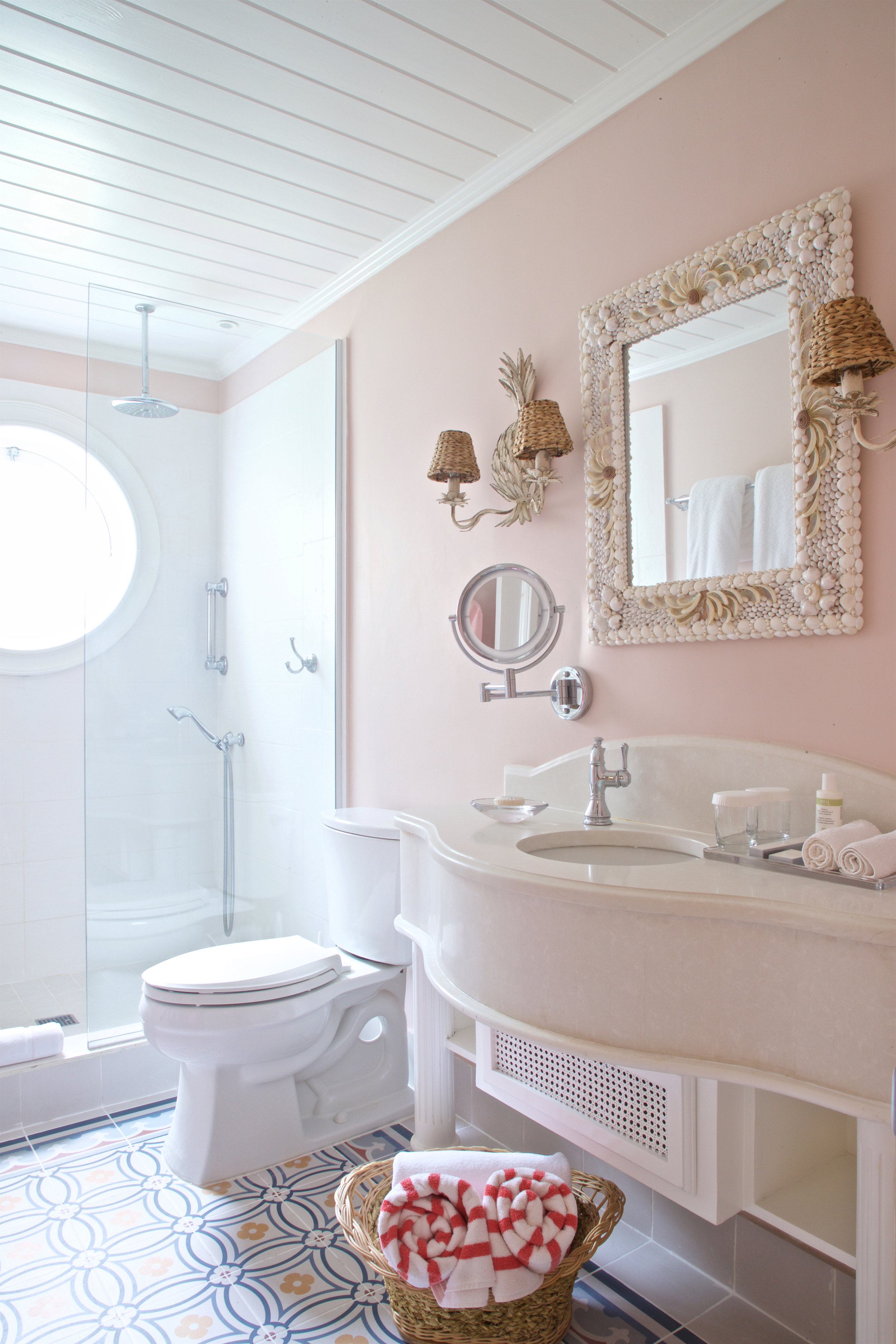 COBBLERS COVE GARDEN VIEW BATHROOM.jpg