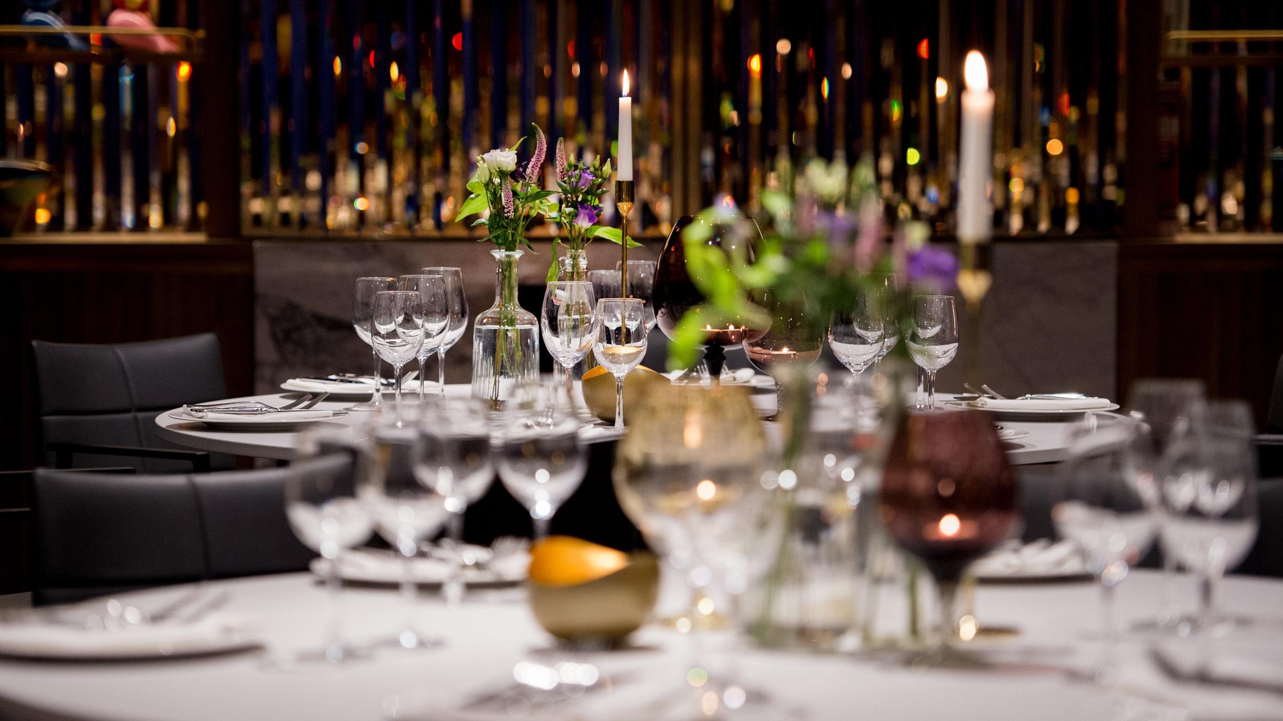 Marylebone+Room_Blue+Room_+Cabaret+style+dining_table+details_300+dpi+6.jpg