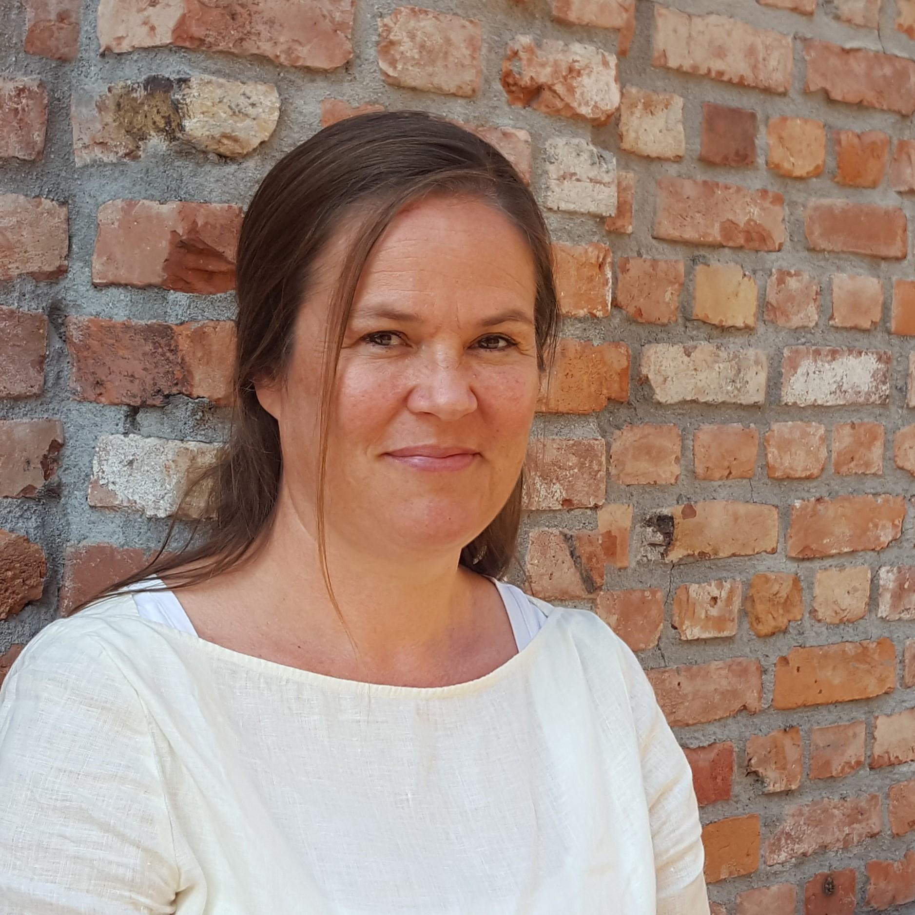 Marianne Hoen  Formidlingskonsulent / Grafisk designer Kunst i skolen kis (@) kunstiskolen.no