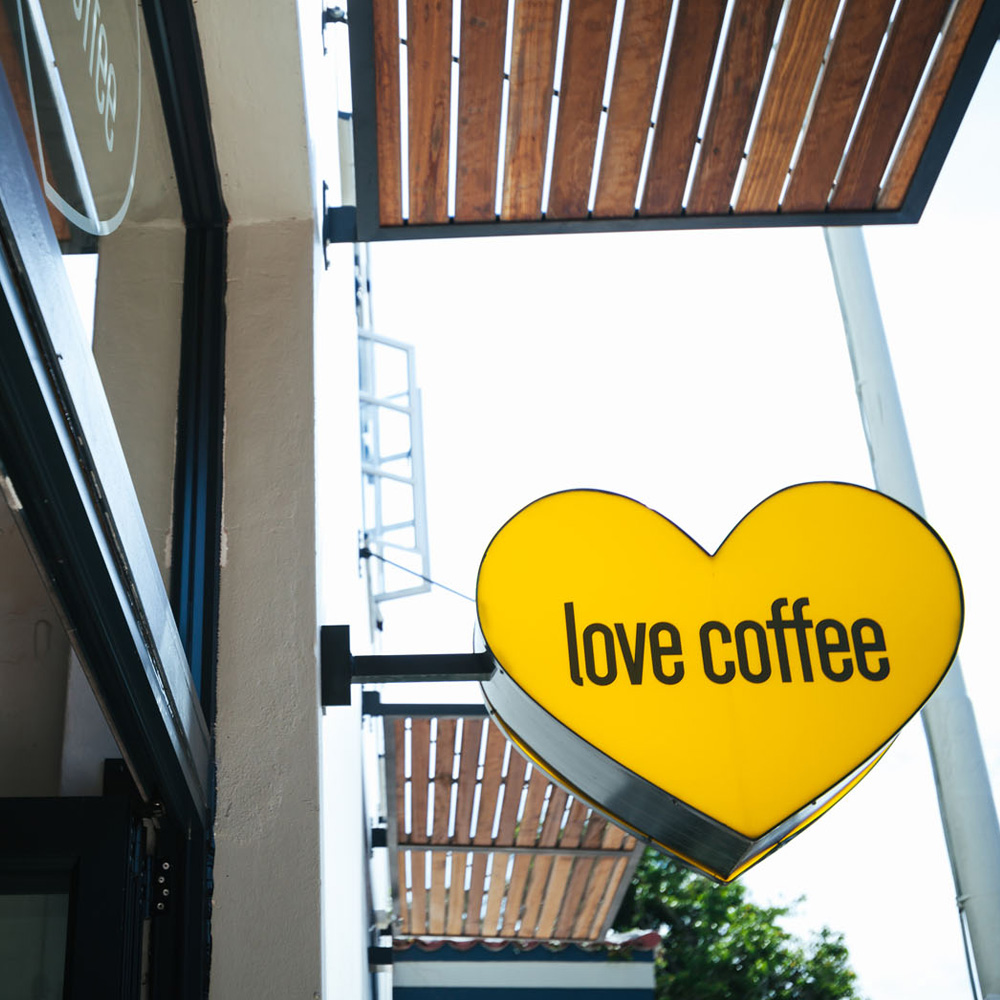 Georgette_Black_Love_Coffee_01.jpg