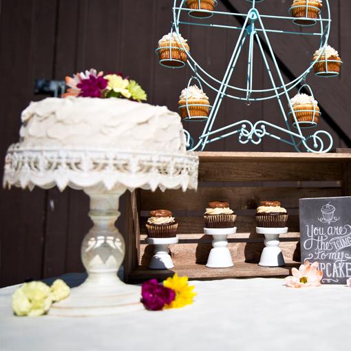 Ivory Cake Stand2.jpg