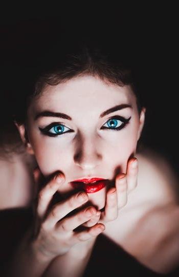blue-eyes-woman-female-makeup-60894.jpeg