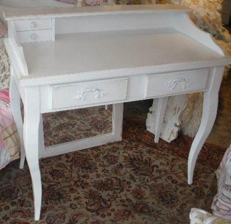 escritorio con pata francesa