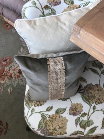 Almohadón terciopelo gris