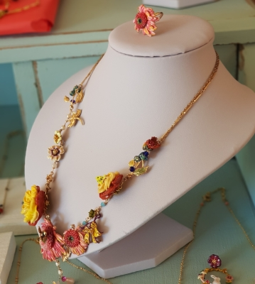 collar les fleurs oro flores