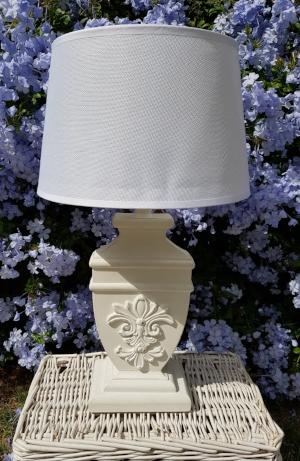lámpara cuadrada tallada