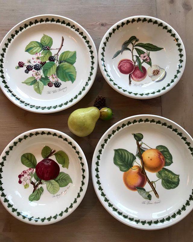Pomona es una tradicional colección de loza que todos queremos en nuestras mesas  @ukportmeirion