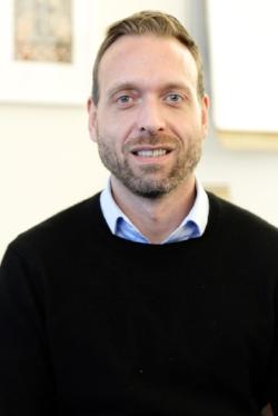 Axel de Foucauld, Asistente Ejecutivo