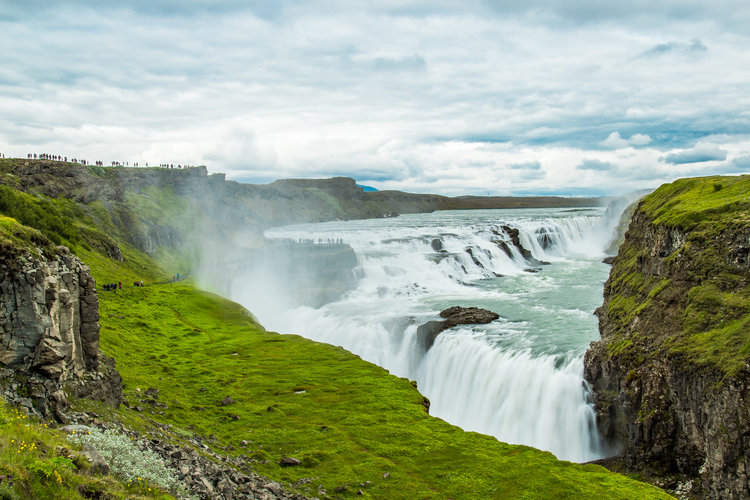 iceland+waterfall+1.jpg