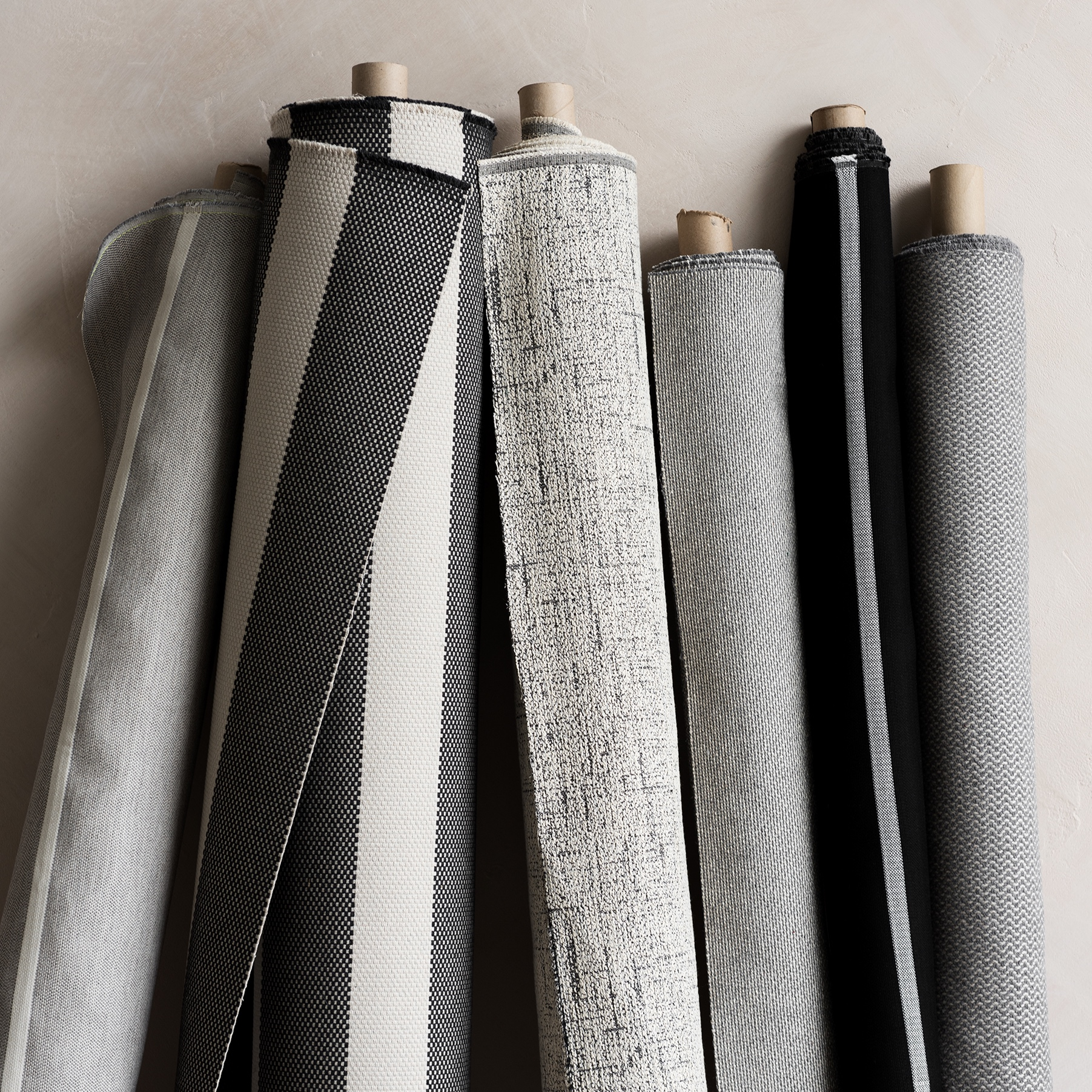 Sien + Co - Sien + Co offers a new collection of performance fabrics in partnership with Sunbrella®. Inspired by the imperfection of handcraft, this new collection is the thickest, most texturized Sunbrella fabric ever created.
