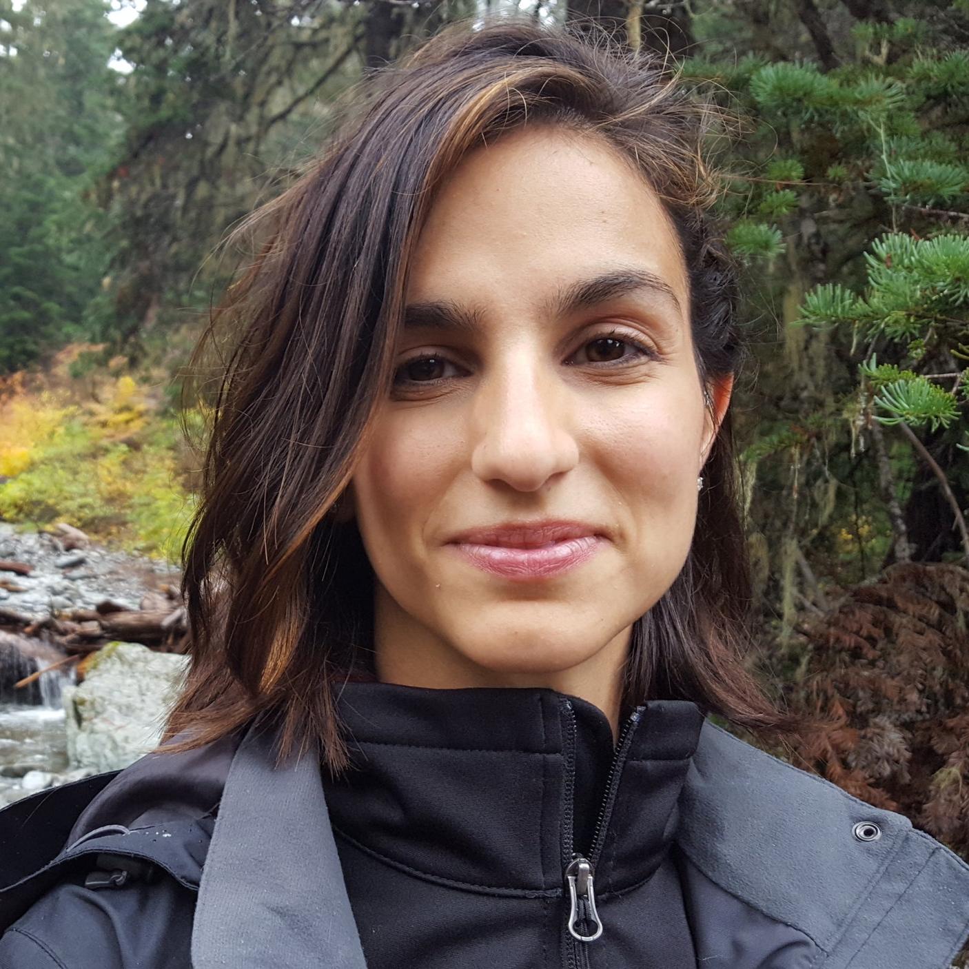 Ellen-Zouras-Headshot.jpg