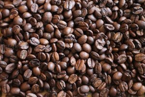 Fresh Roasted Whole Beans - Get your Elissimo fresh whole beans at the touch of a button!