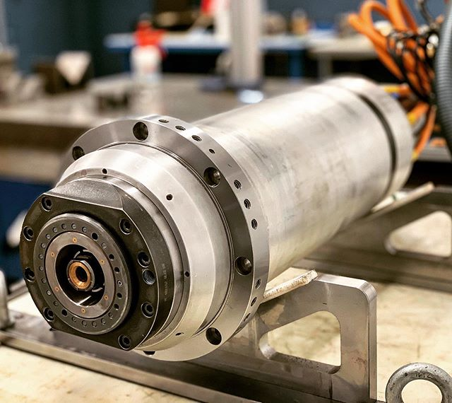 KESSLER 24000 RPM HSK-63A, complete rebuild, one year warranty 24/7. Installed on a Huron K2X8 five. #mecprecision #franzkessler #athorizedcanadiancenter