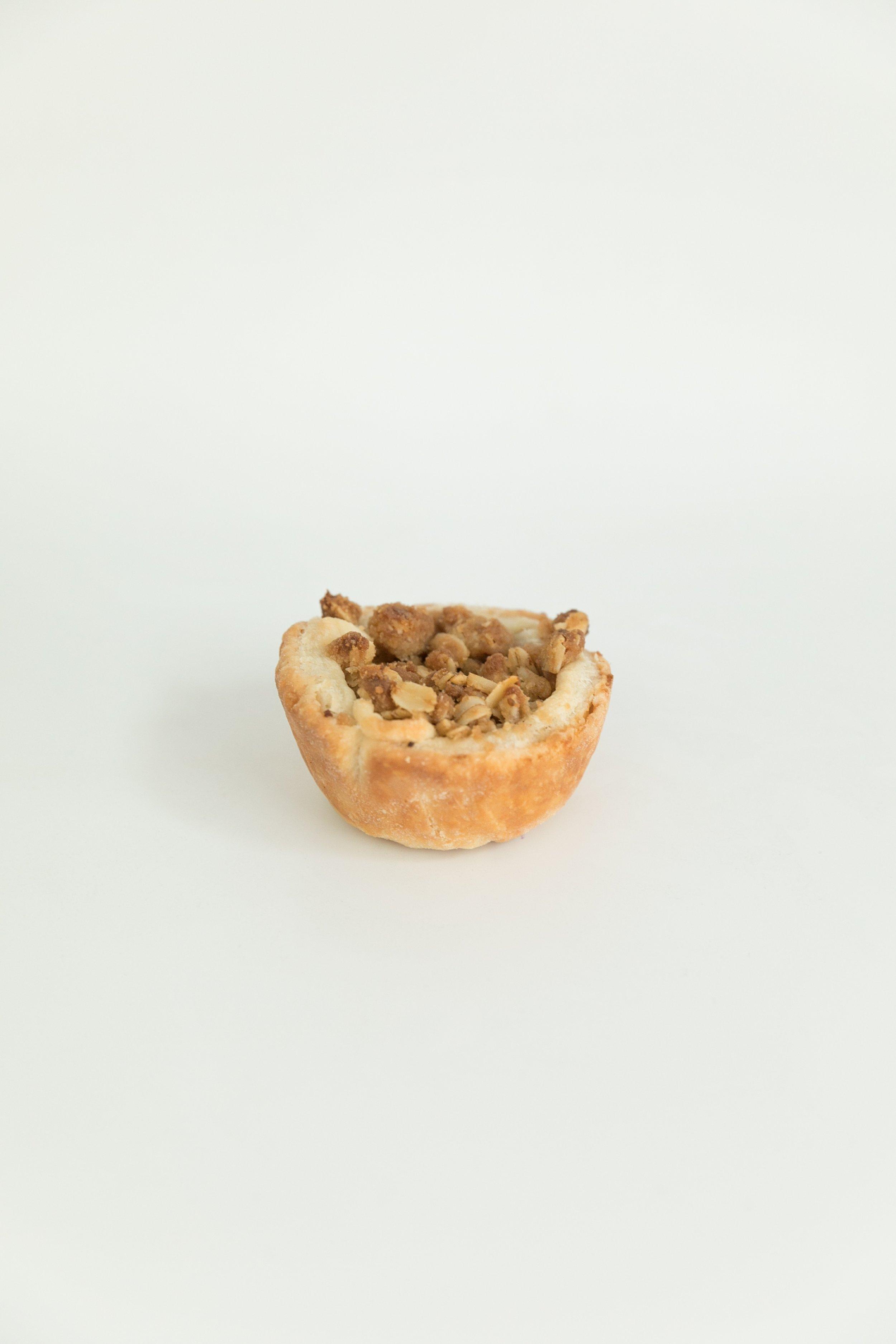Mini dutch apple pie with brown sugar crumb topping