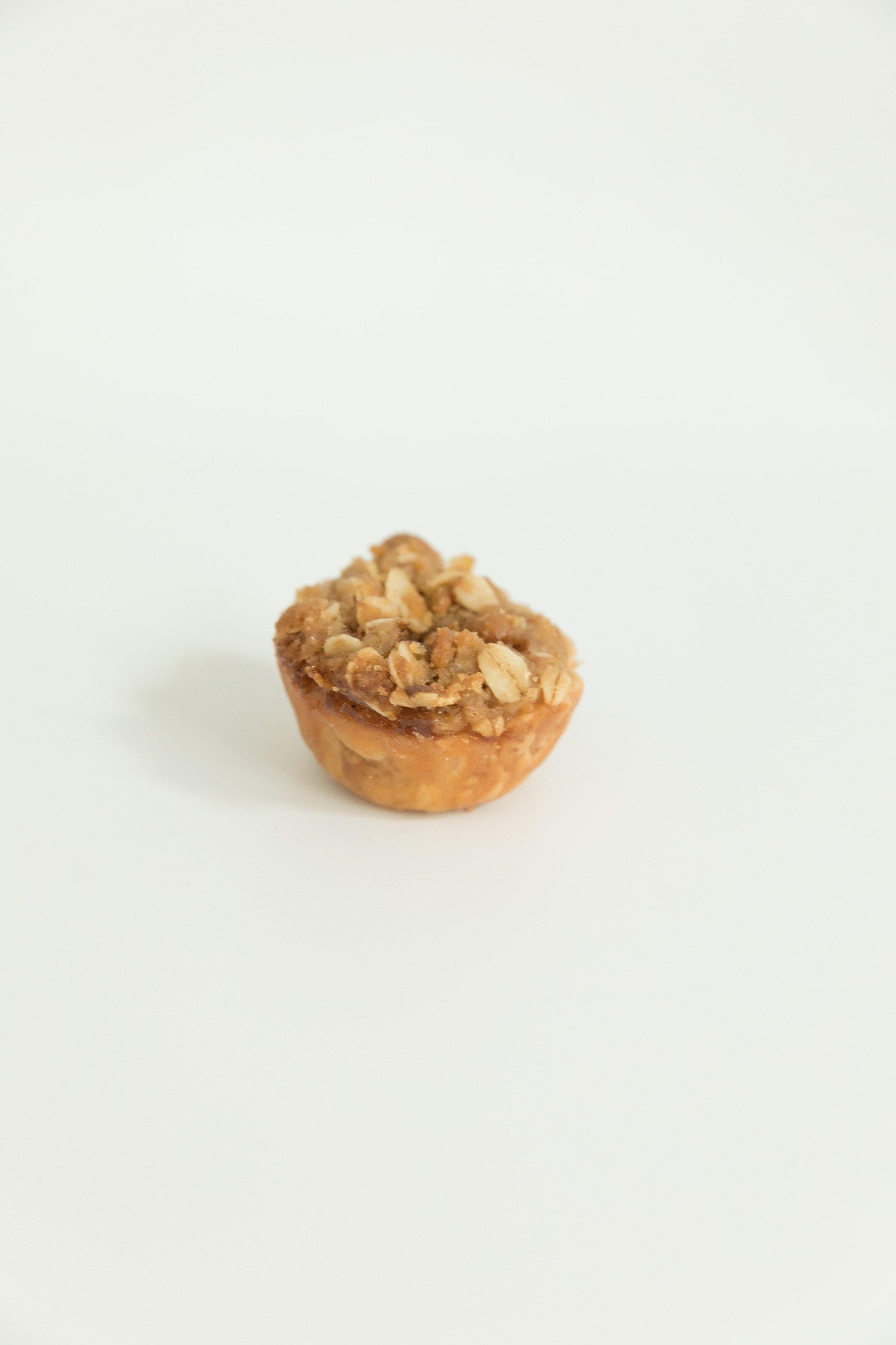 Mini mini dutch apple pie with crumb topping