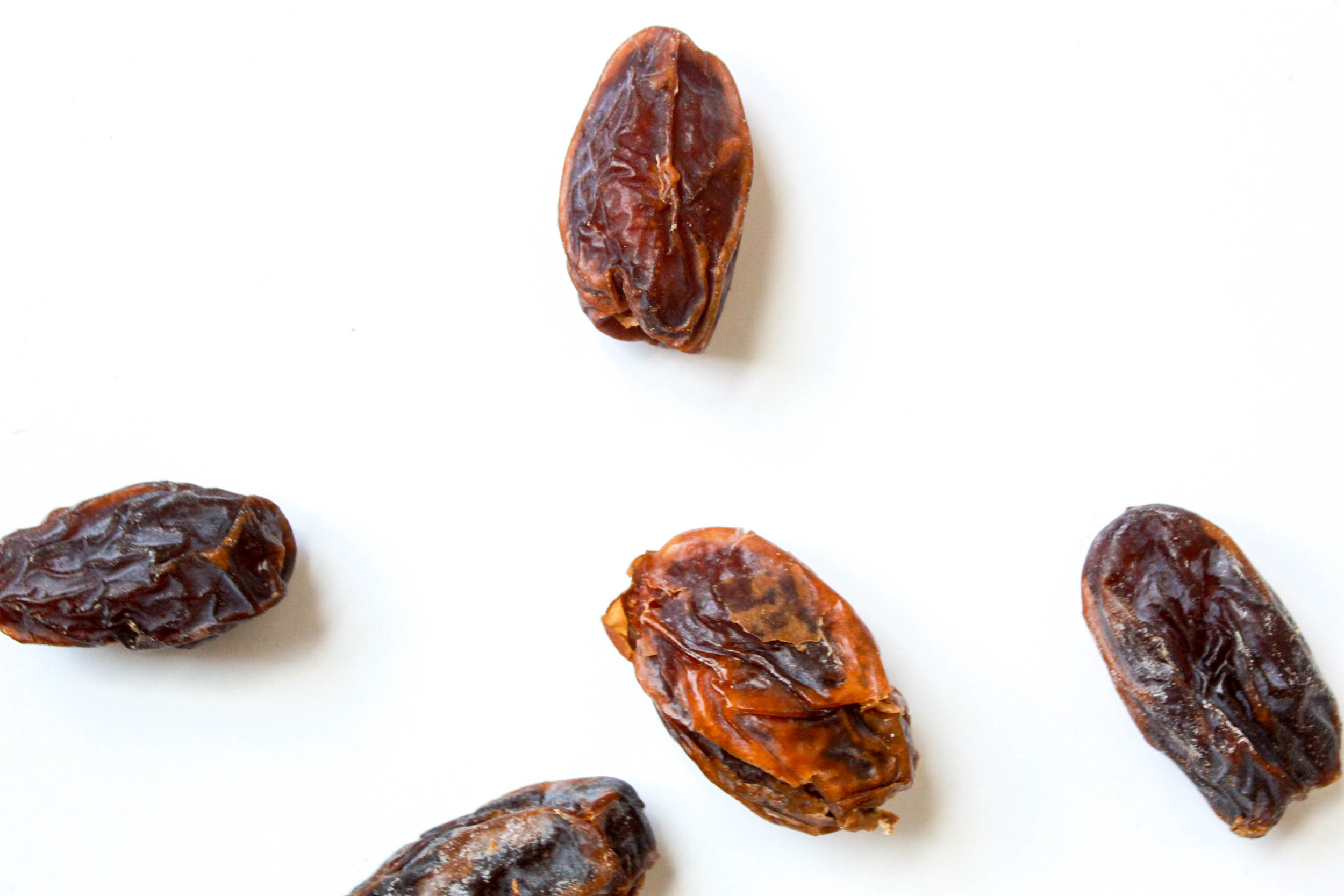 We only use Medjool dates from California. Medjool dates are the sweetest and moistest of dates, and they also have the best flavor. Dates are high in soluble fiber which supports healthy digestion by drawing fluid into the digestive tract. They're a rich source of minerals like copper, manganese, magnesium, and potassium that support bone health. Our dates are a great source of energy … and are perfectly sweet.