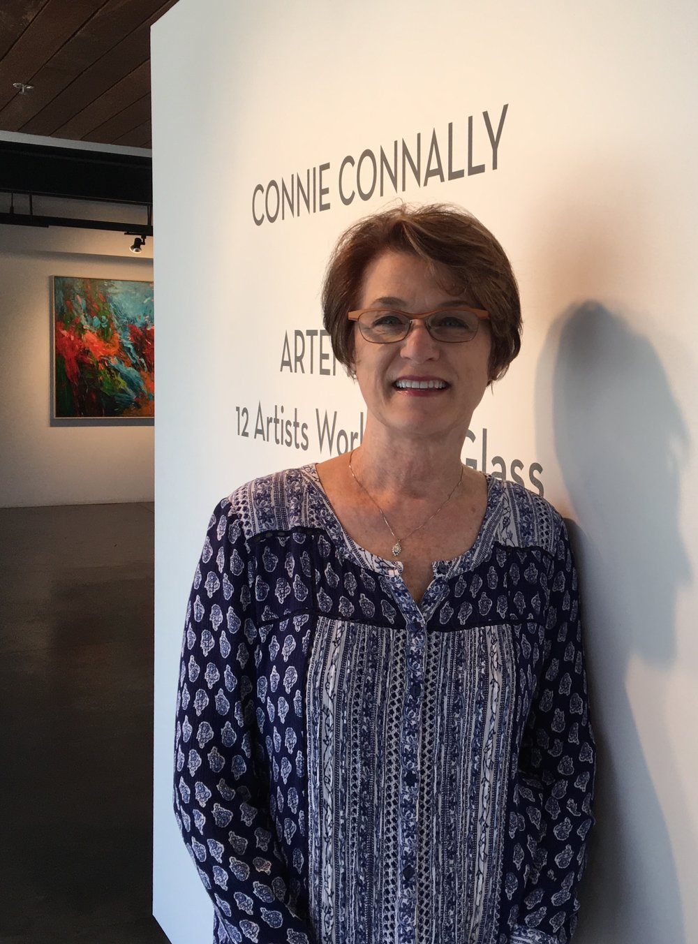Connie+name+in+front+window++241.jpg