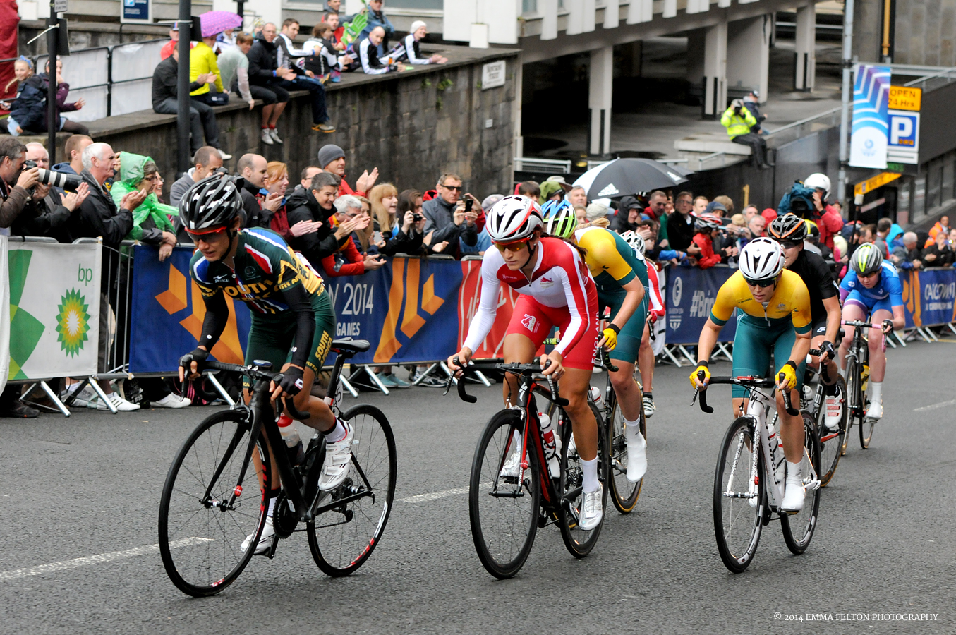 Ashleigh on her way to win Bronze in the Commonwealth Games Road Race in Glasgow
