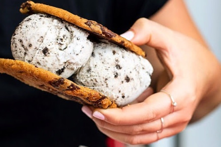 The top 21 ice cream sandwiches in Toronto by neighbourhood - Booyah offers ice cream sandwiches in two sizes (full or half). All are fully customizable with a variety of freshly baked cookies and a scoop of ice cream.