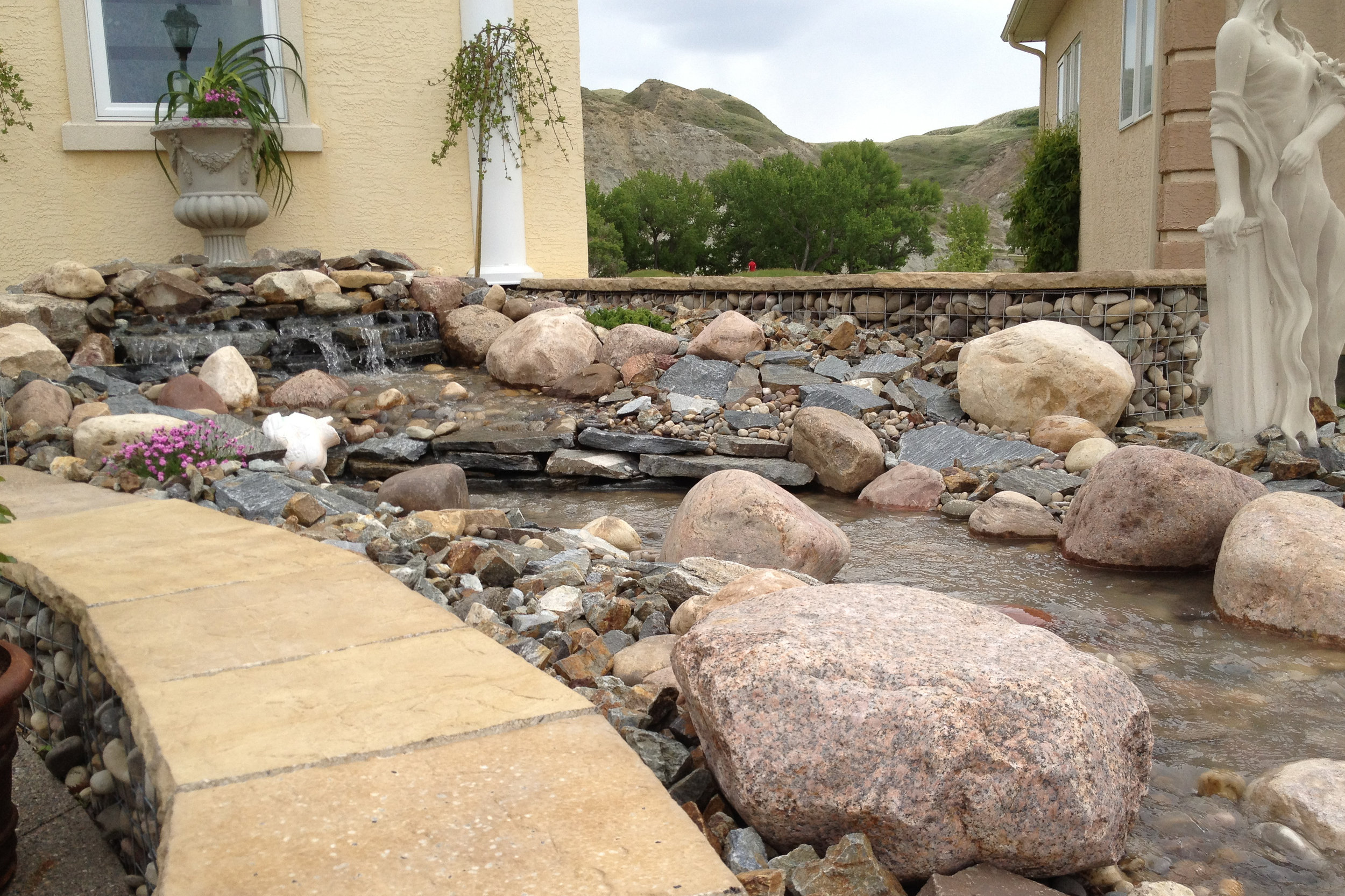 stream-landscape-design-water-rocks.jpg