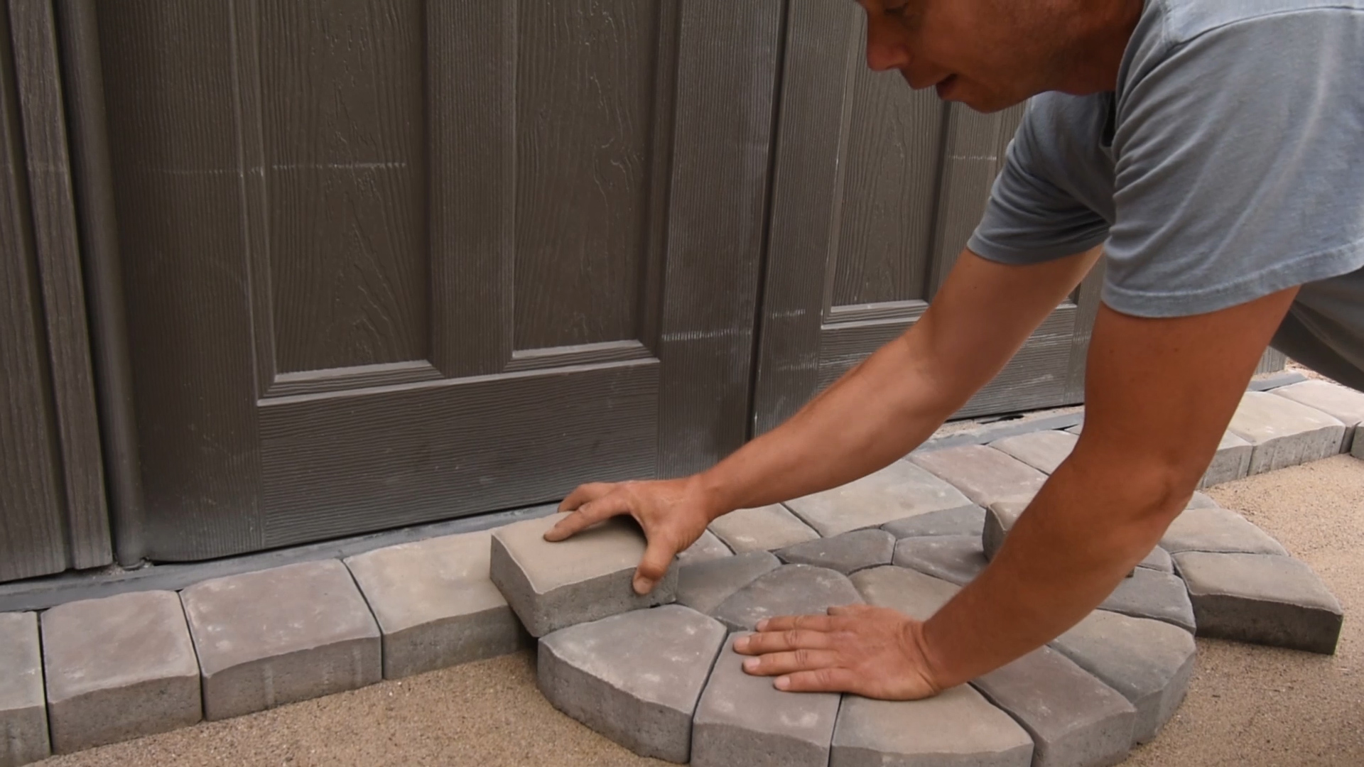 how-to-lay-paving-stone.jpg