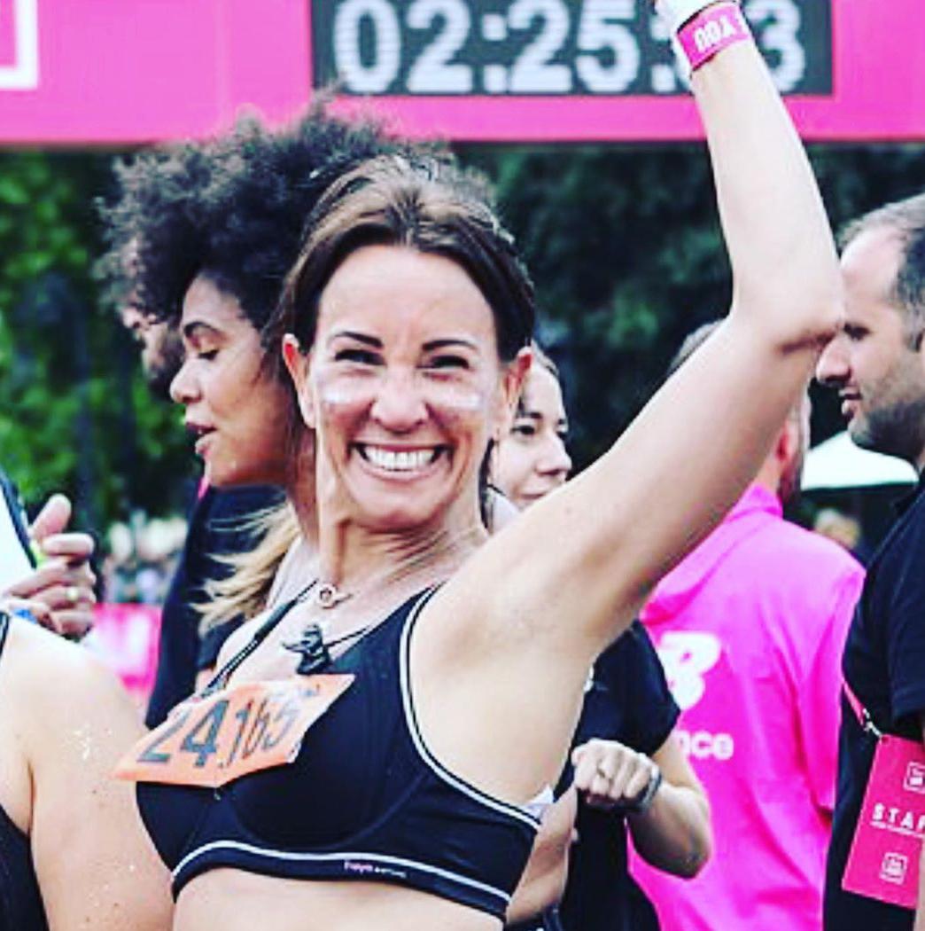 Andrea-Mclean-finishes-the-Vitality-10k-run.jpg