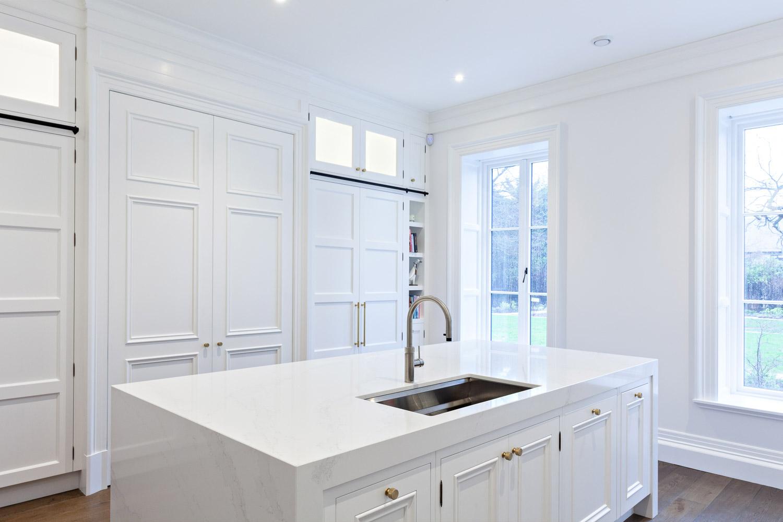 Hand-Painted-White-Kitchen-02.jpg