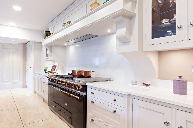 Lee-Reeve-Luxury-Kitchen-Painter-Cork-01.jpg