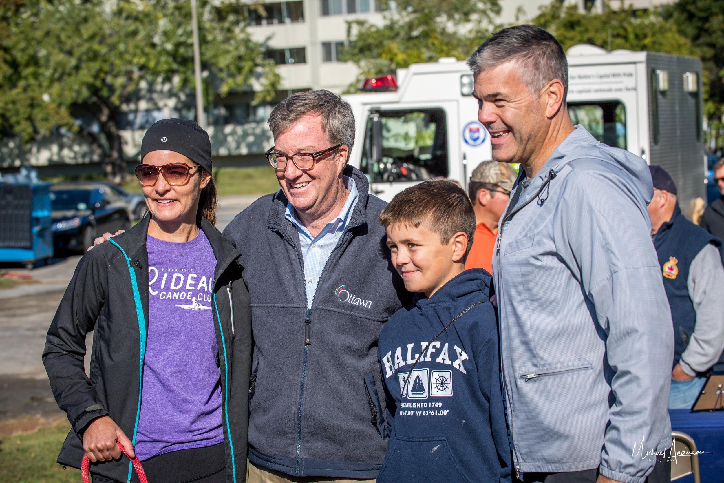 Mayor with paddlers.jpg