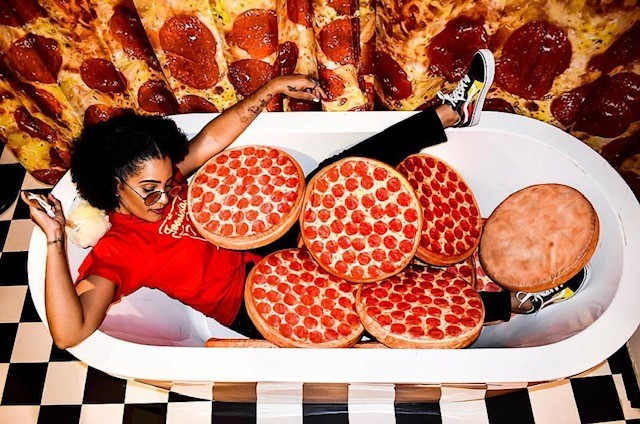 pizza bath tub 2.jpg