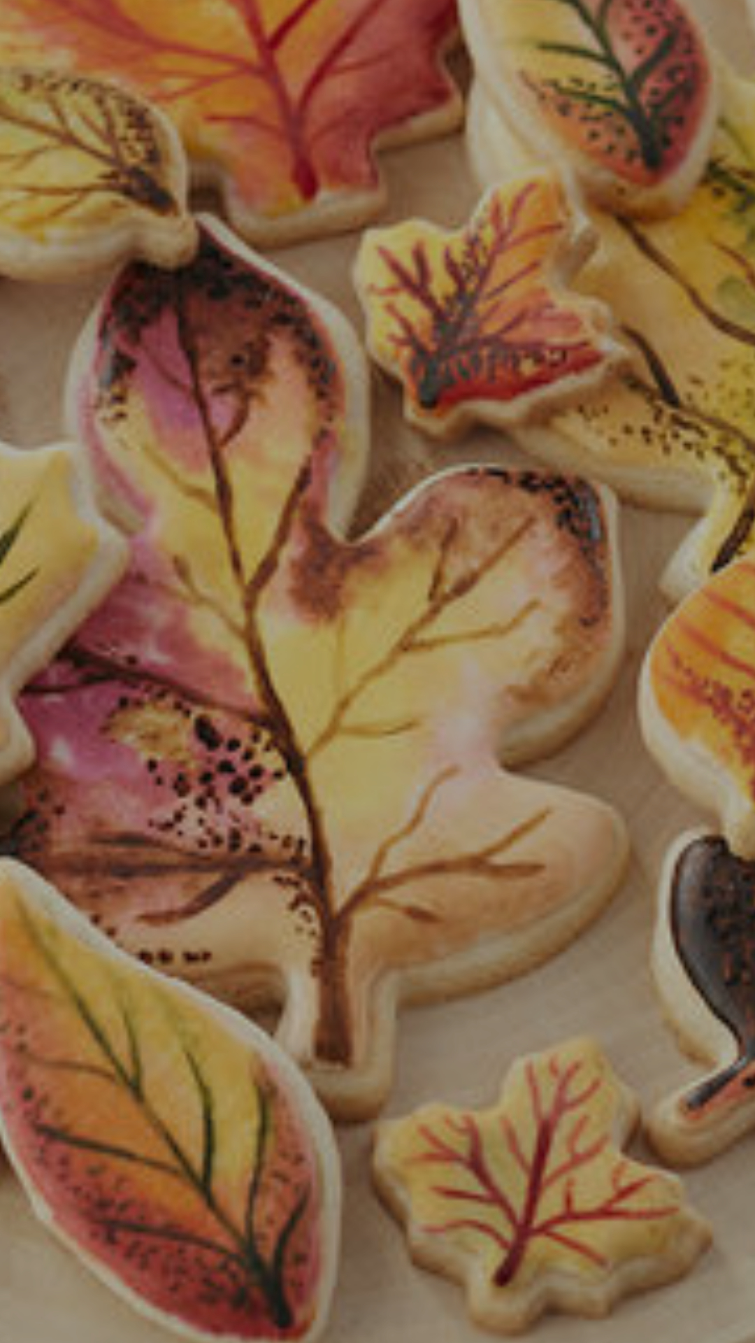 You will learn to decorate cookies using sponges, brushes and edible paint.