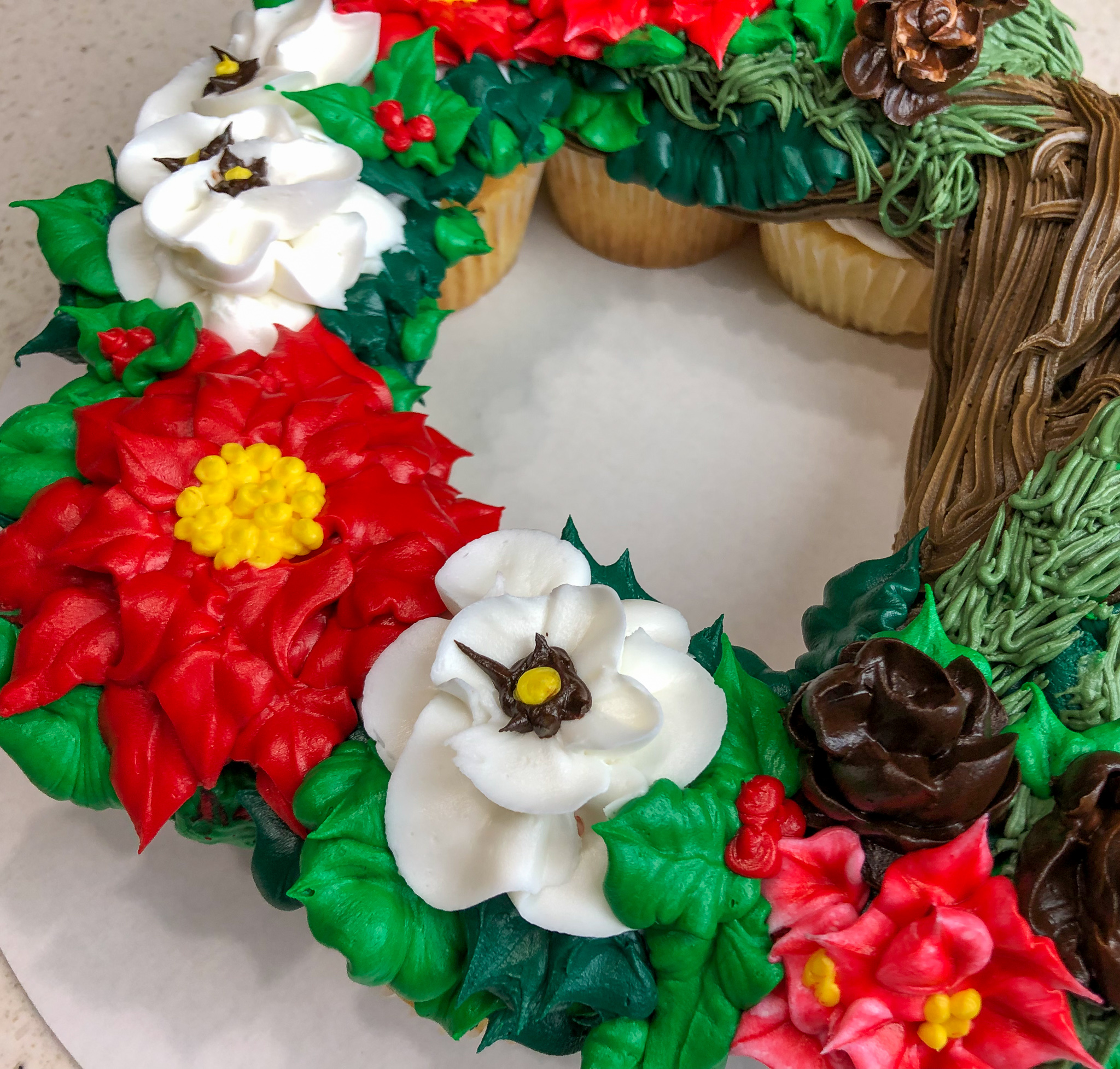 Christmas In July Themed Food.Christmas In July Cupcake Wreath Terri Bakes