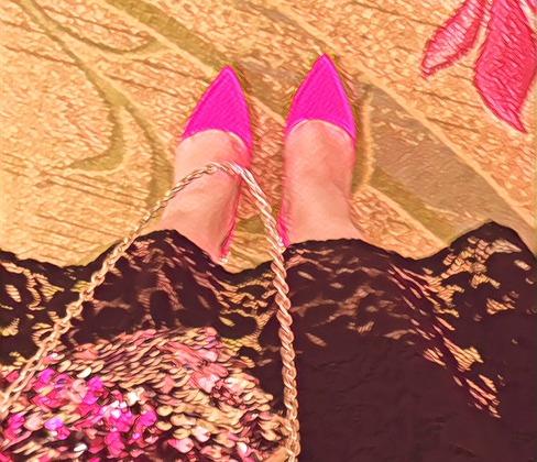 jessica pink heels - favicon.jpg