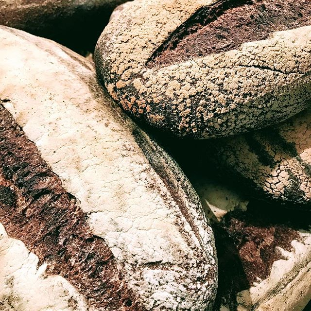 I will have a new sourdough bread for sale at the East Aurora Co-op this Saturday along with a healthy supply of wood-fired bagels. The bread is made with organic wheat and rye ground in house. Hi hydration and a sweet culture make for a flavorful hearty bread. Perfect for that open faced sandwich you like or slathered up in a good salted butter. Mmmm.#woodfiredbaking #miche #sourdoughbread #danishbaker